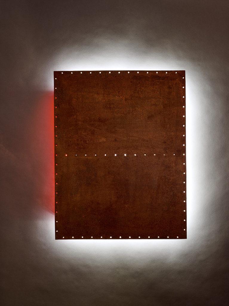 Abstrait lumineux XII, 2018 - Métal rouillé perforé, LED, tube néon 82 X 64 X 4 cm