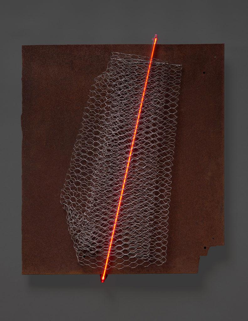 Grillage III, 2020 - Acier rouillé, grillage acier galvanisé, tube néon 59 x 52 x 10 cm